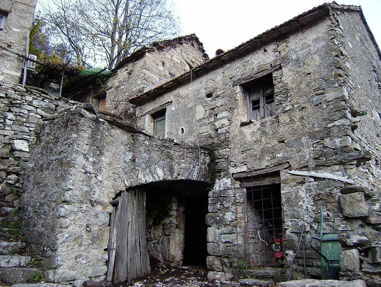 I paesi abbandonati dove comincia l 39 appennino for Foto di case antiche