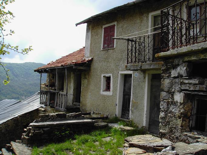 Case Rurali Toscane : I paesi abbandonati dove comincia lappennino