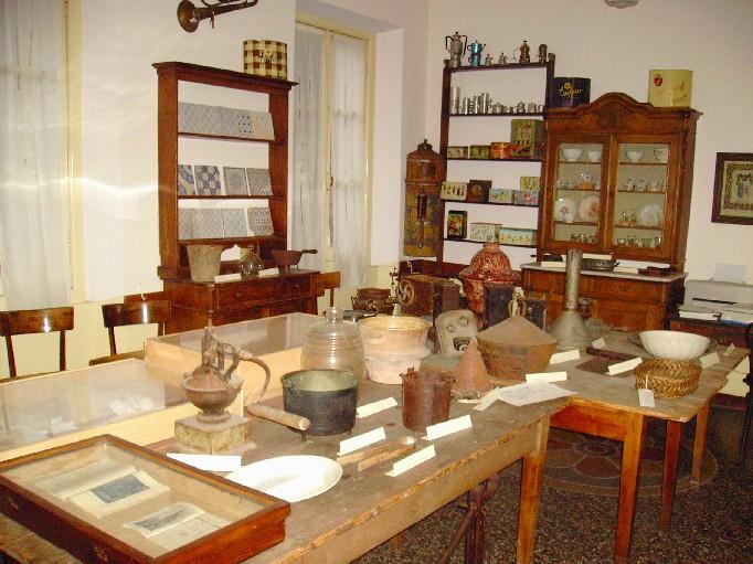 Raccolte etnografiche e naturalistiche dove comincia l for Casa tradizionale siciliana